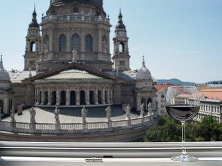 Helena apartman - view on St. Stephan Basilica
