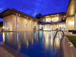 pattaya Holiday Villa 9620