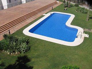 Precioso apartamento con terraza y piscina