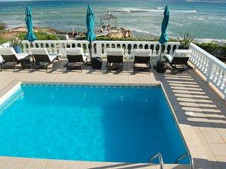 Lockrum Point Villa:Ocean front 3-bed/ 3-bath/pool
