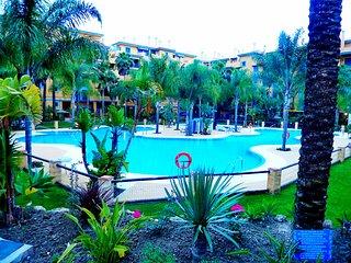 Junto Paseo Maritimo y Centro. Gran piscina.Ubicacion perfecta