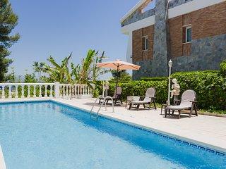 Luar, preciosa villa con piscina en Málaga