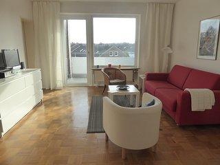 Ruhige, sonnige Wohnung in Uninahe