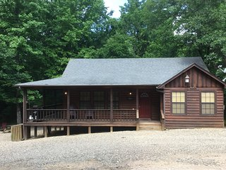 Blue Ridge Cabin Rest! Relax! Recharge! 2 BR, 1 BA, Hot Tub, WiFi,Great Location