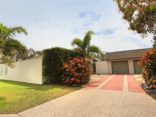 6 Petrie Ave, Marcoola, Pet Friendly, Linen supplied