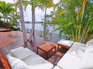 6 Waterfront Court, Twin Waters - Linen Included, Heated Pool, WIFI