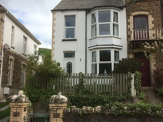 Delightful three bedroomed home only minutes stroll to family friendly beach