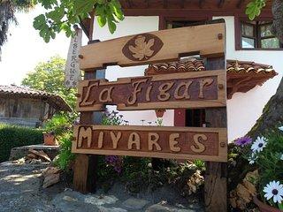 Casona de Miyares- la Figar
