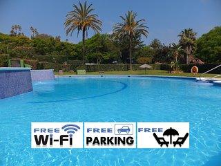 Apartamento a 30 metros de la playa, piscina, WiFi