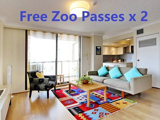 2 Bedroom Apartment Heart Of Sydney CBD/2 mins to Station/ NETFLIX & ZOO PASSx2