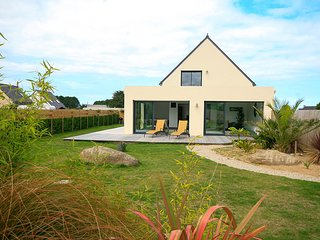 4 bedroom Villa in Brignogan-Plage, Brittany, France : ref 5627042
