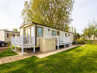 8 Berth Caravan. Diamond rated. Overlooking grassed play area.