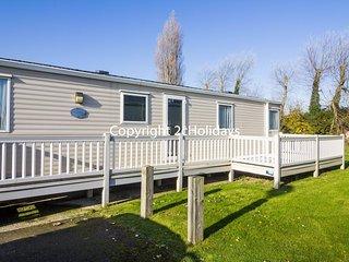 6 Berth caravan in Breydon Water Holiday Park near Great Yarmouth Ref 10044 CW