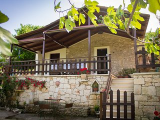 Gioia 2- bedroom Traditional House