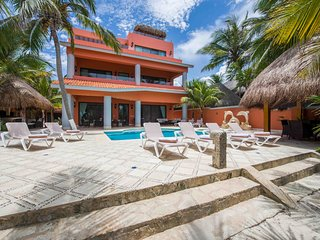 Villa Lol-Beh - 12 bedroom villa in beautiful Soliman Bay, Tulum