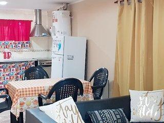 San Lorenzo, Casa para 4 personas, muy cómoda.