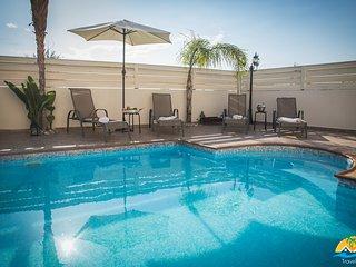 Villa George (Free wifi, private pool, 30 meters from beach)