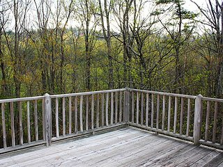 Treetop-Romantic MTN Home,Fireplace,Screened Porch