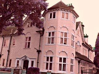RK Heritage Guest House (Room 1)