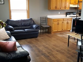 Comfy Home; Great Neighborhood Across From Park
