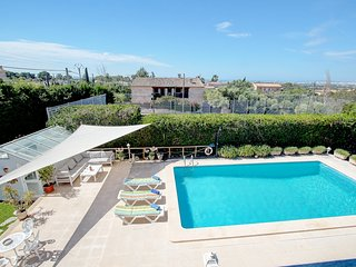Villa Sa Cabaneta with pool, tennis court, and views to the Palma Bay