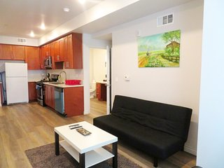 2 Bed/2 Bath Unit w/ Full Amenities