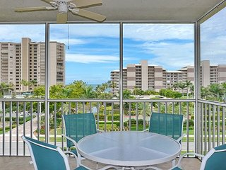 Relaxing condo w/ heated pool & short walk to South Beach