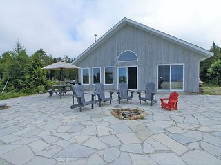 Dorcas Bay cottage (#1202)