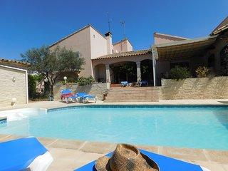 Studio a 20 mn de la Grande Motte, piscine chauffee