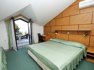 Room Starigrad, Paklenica (S-3335-g)