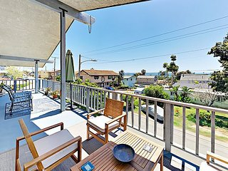 3BR w/ Wraparound Balcony/Garden & Cigar Lounge - Steps to La Conchita Beach