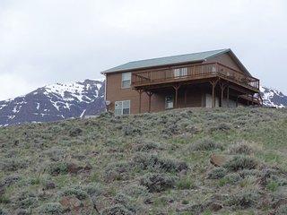 Rustic Mountain Hideaway