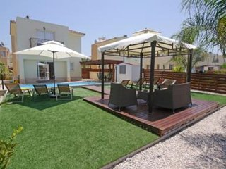VILLA ELENA 3 BED PRIVATE POOL - PERNERA