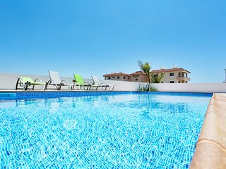 VILLA GINTARE - 4 BED WITH PRIVATE POOL - NISSI BEACH AYIA NAPA