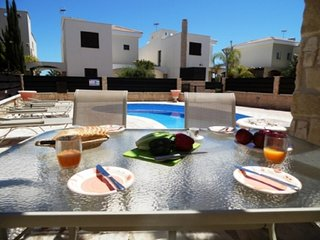 SOPHIA ROSE - 3 BED WITH POOL - PROTARAS JUST 5 MINS DRIVE TO CENTRE
