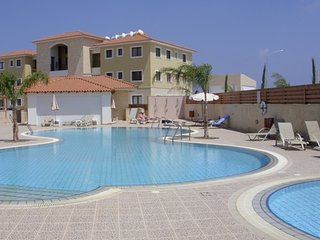 POPPY APARTMENT - 3 BED WITH SHARED POOL - KAPPARIS