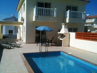 VILLA KATERINA - TWO BED WITH POOL IN AYIA NAPA NISSI BEACH