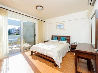 ALANA APARTMENT - 2 BED CENTRAL PROTARAS JUST 1 MINUTE WALK TO BEACH