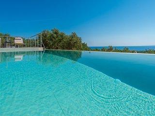 Oliveto Villa - Spectacular sea views, private infinity pool, 2 bdrms sleeps 6