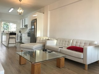 Limassol Bay 2br modern apartment near the beach