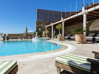 Stylish 2-Bedroom Apartment in Tinos (I)