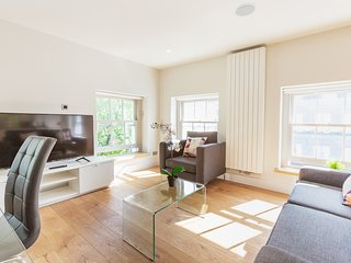 141. LOVELY 1BR FLAT IN THE HEART OF FITZROVIA
