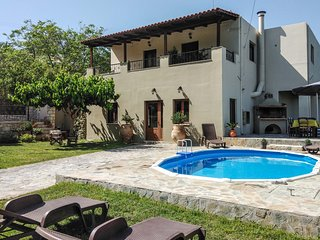 Rural Spacious Villa with Pool at Central Crete