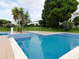 Very close to amazing beaches. Pool & Gardens