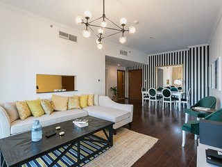 Luxury 2BR 5 mins from Burj Khalifa!