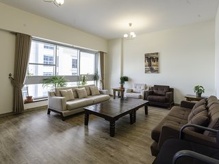 Fully Furnished 3BR in Business Bay