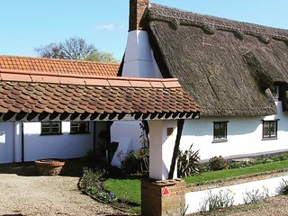 *Charming Cosy Cottage* 6 The Green,  close to Bury St Edmunds