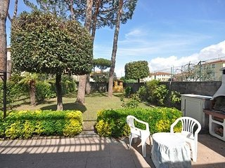 3 bedroom Apartment in Lido di Camaiore, Tuscany, Italy : ref 5476934