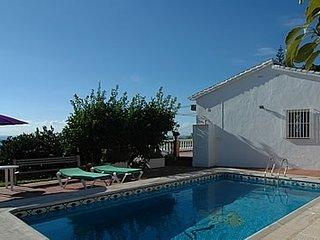 Nerja Villa Sleeps 6 with Pool - 5049896