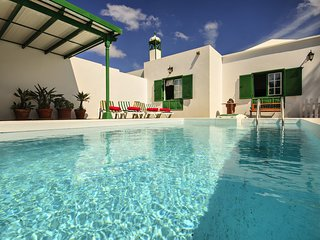 Casa Andrea, piscina, wifi, jardín, relax, tu casita en Lanzarote